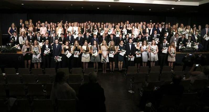 169 Schüler erhielten in der Aula ihre Abschlusszeugnisse
