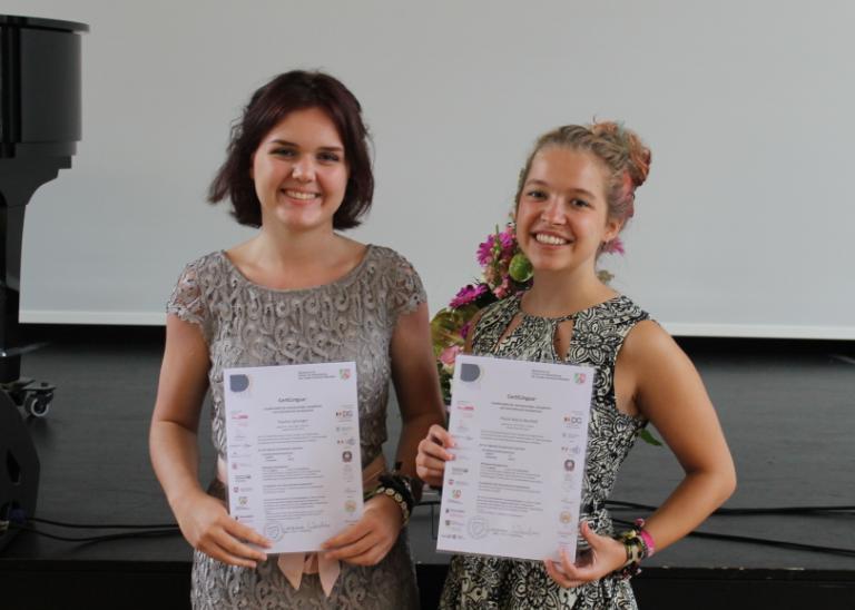 Drei Abiturientinnen ausgezeichnet – CertiLingua-Verleihung in Gelsenkirchen