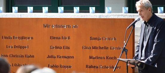 Gedenkstätte für die Opfer der Flugzeugkatastrophe eingeweiht
