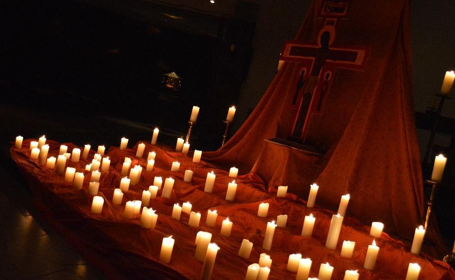 """Andächtige Stille bei der """"Nacht der Lichter"""""""