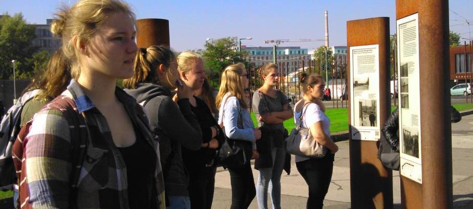 Die Deutsch-Leistungskurse der Q2 erobern die geschichtsträchtige Hauptstadt