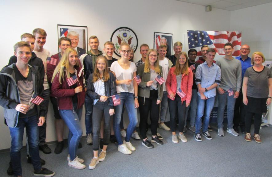 Englisch-LK zu Besuch im US-Generalkonsulat Düsseldorf
