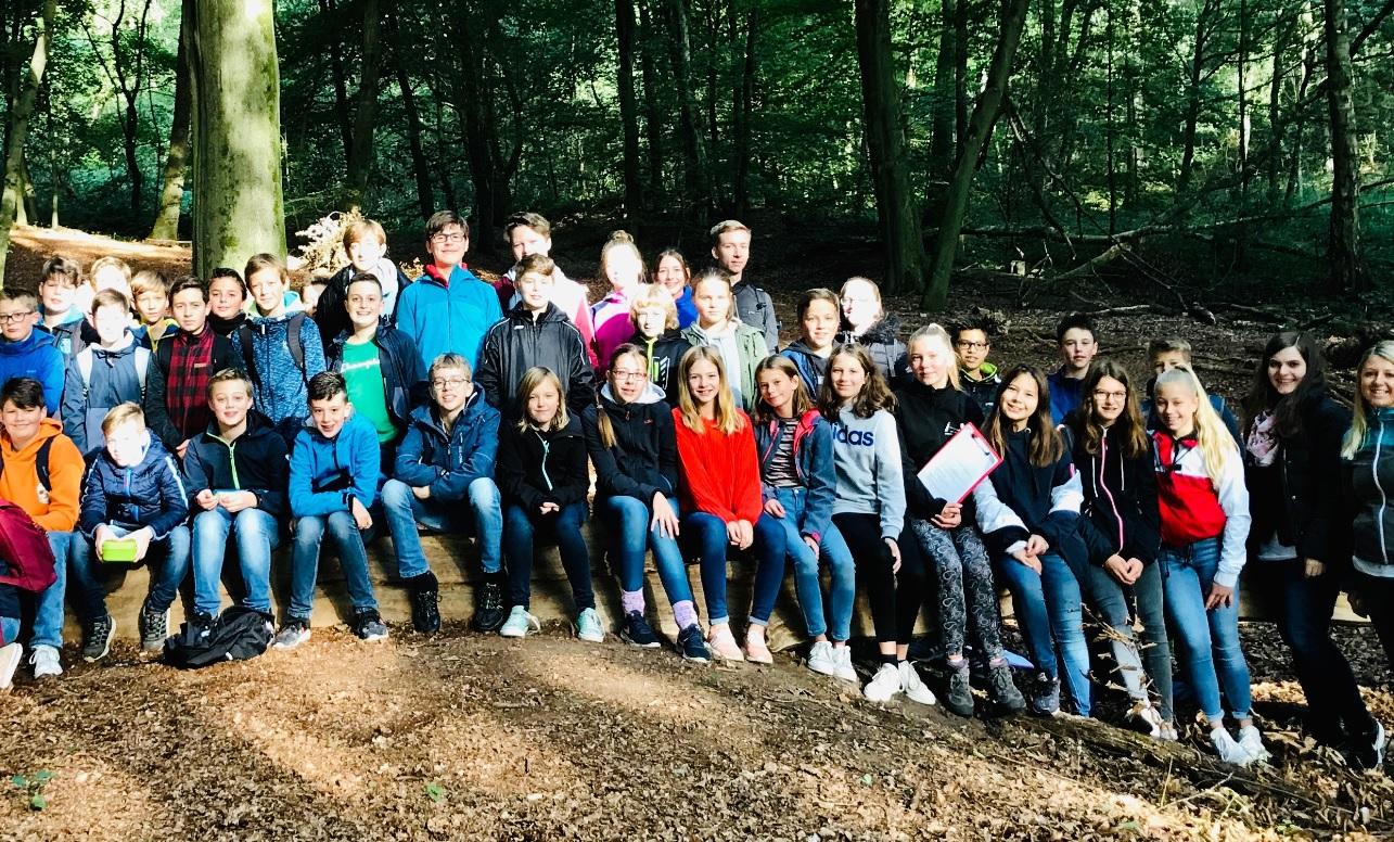 """""""Friday for forest"""": Die Waldexkursion der Klassen 7d und 7e"""