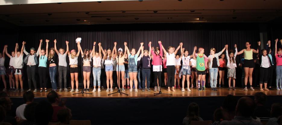 Das Gymnasium begrüßt die neuen Fünftklässler
